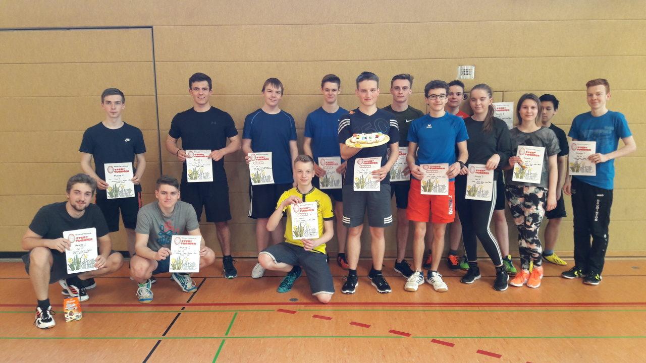 """Volleyballturnier unserer Schule um die """"Ostertorte"""""""