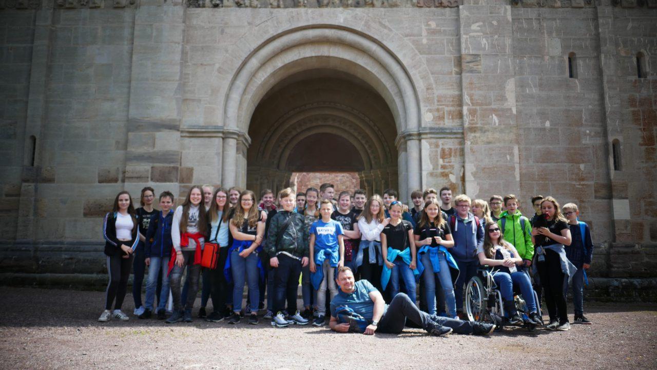 Schreiben wie ein Mönch- Schüler der 7. Klassen in Kloster Veßra
