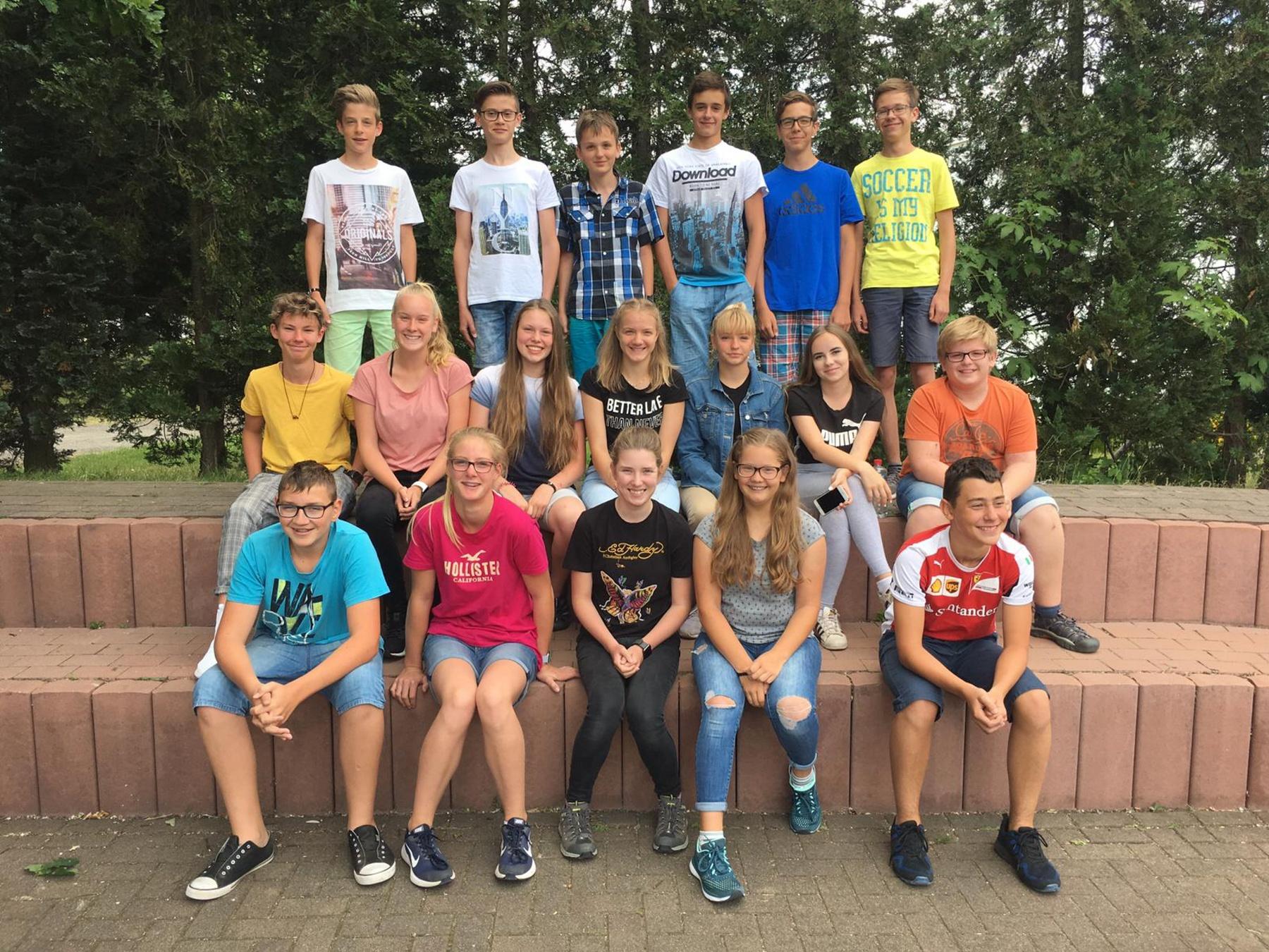 """Deutsch-Projekt der 7/2: Goethes """"Der Zauberlehrling"""" als Schattenspiel"""