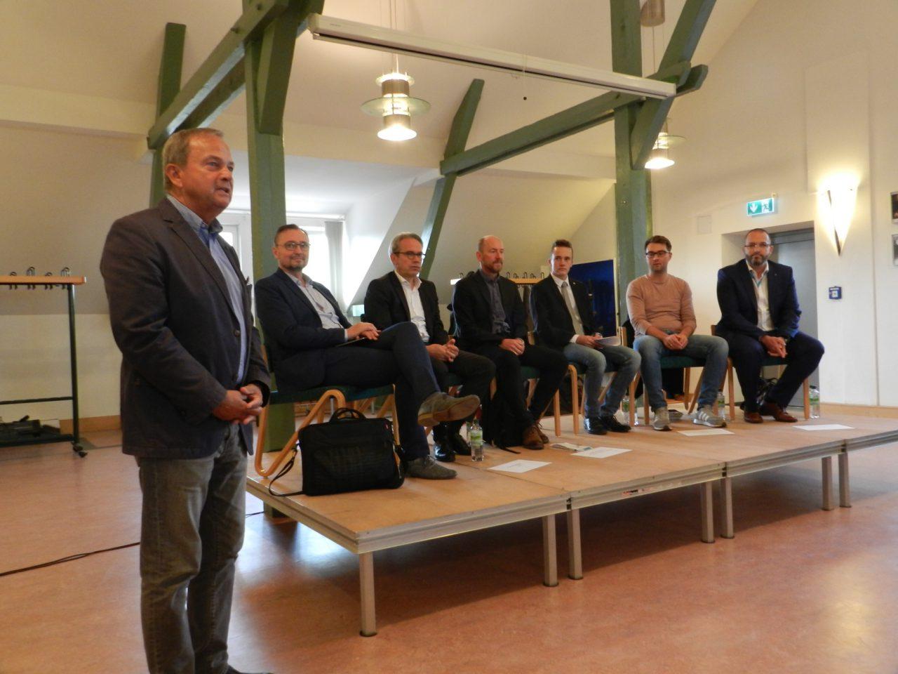 Schule trifft Landespolitik, eine Podiumsdiskussion am Gymnasium